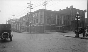 Victoria Block (left) & Victoria House (right), 1918 (courtesy of City of Vancouver Archives)
